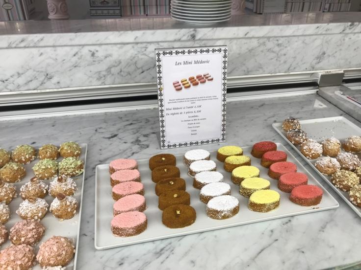 les-mini-médovic--pâtisserie-café-pouchkine-pouchkinette-paris-france-FoodWaterShoes