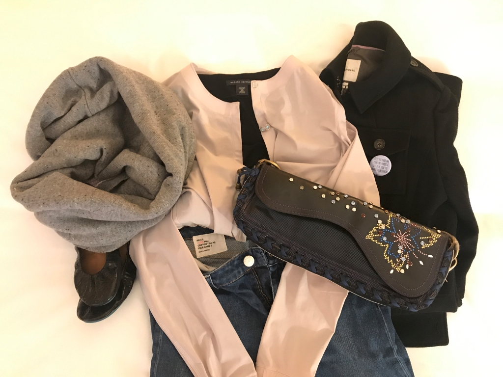 A photo of a reversible Lululemon blissed out scarf in grey gray, black patent leather Tieks, Leon and Harper denim jeans, a Lululemon solo blouse, a plain black Banana Republic tee, a black wool Banana Republic jacket and a Bracher Emden bag. Photo Courtesy of FoodWaterShoes